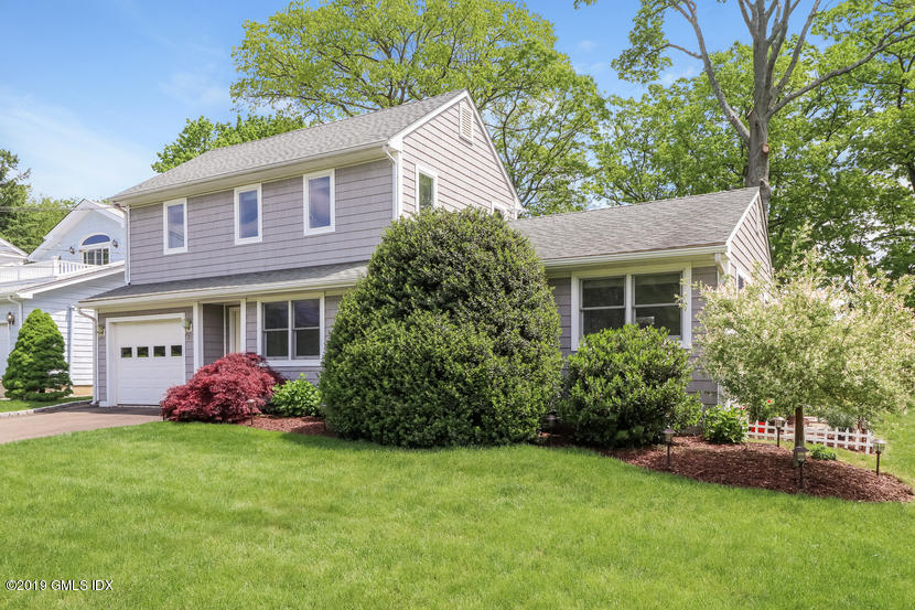 25 S End Court Old Greenwich, CT 06870