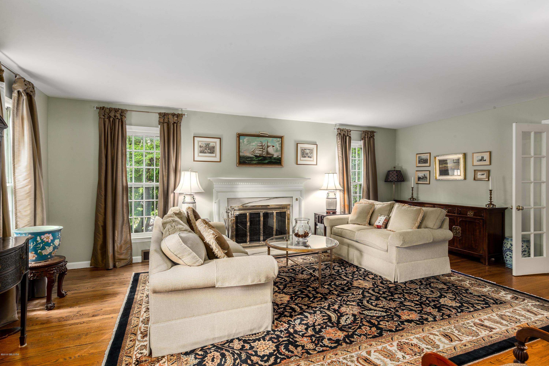 33 Wesskum Wood Road,Riverside,Connecticut 06878,4 Bedrooms Bedrooms,3 BathroomsBathrooms,Single family,Wesskum Wood,106728