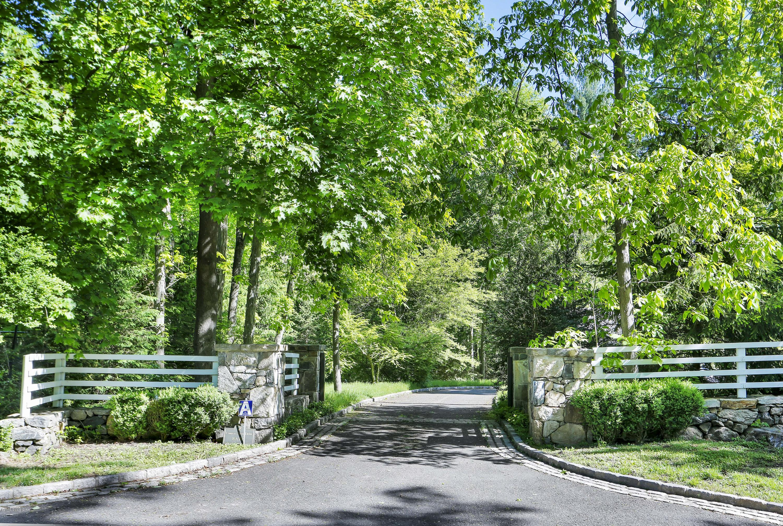 2 Conyers Farm Drive, Greenwich, CT 06831