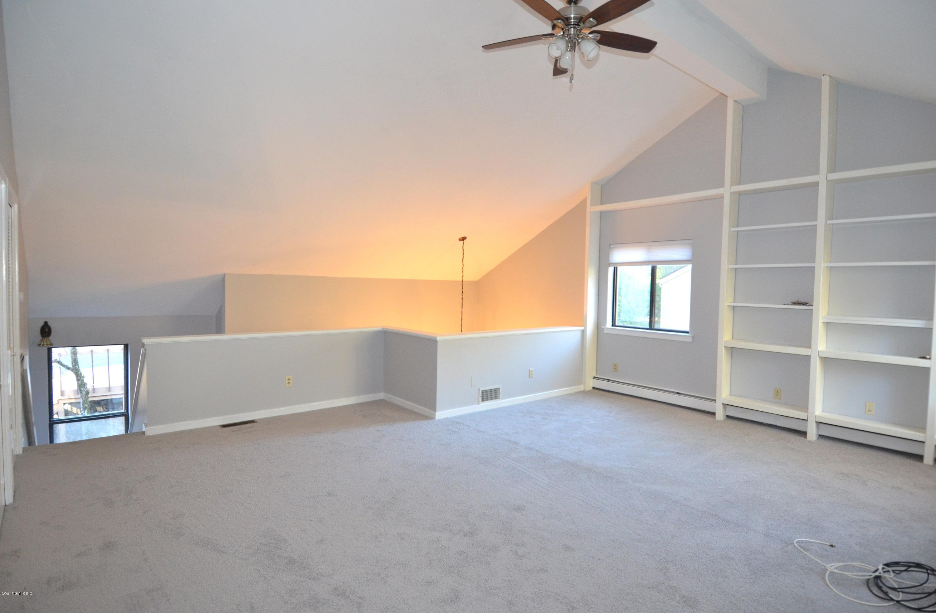 301 River West Greenwich,Connecticut 06831,2 Bedrooms Bedrooms,2 BathroomsBathrooms,Condominium,River West,106956