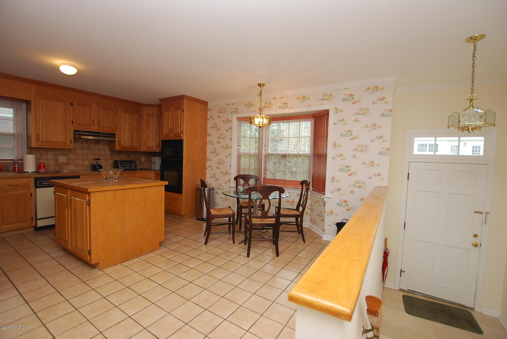 172 Field Point Road, #6, Greenwich, CT 06830