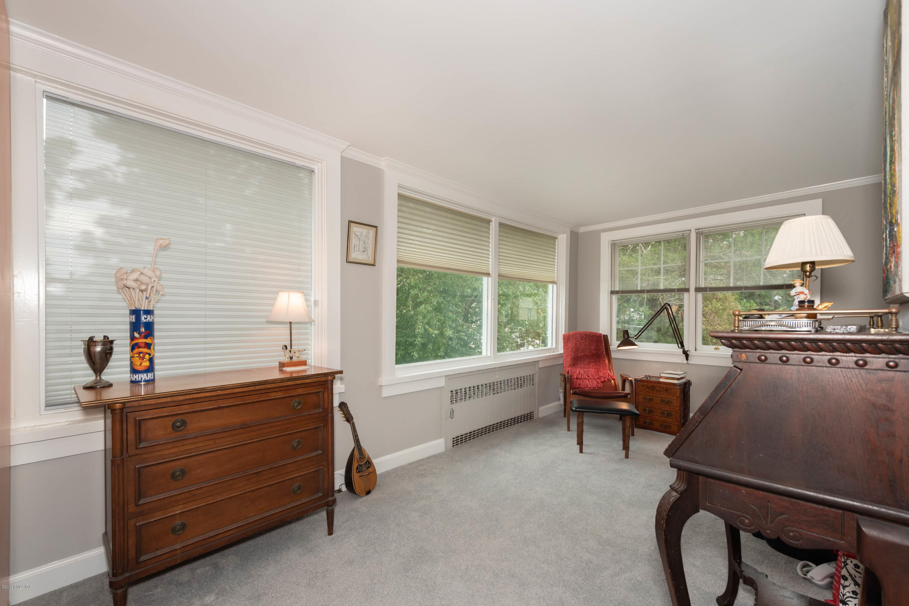 14 Cresthill Place, Stamford, CT 06902
