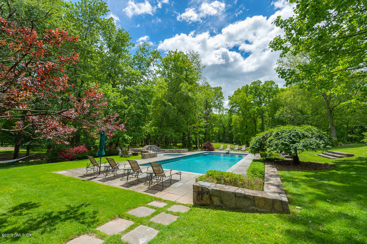 18 Lower Cross Road, Greenwich, CT 06831