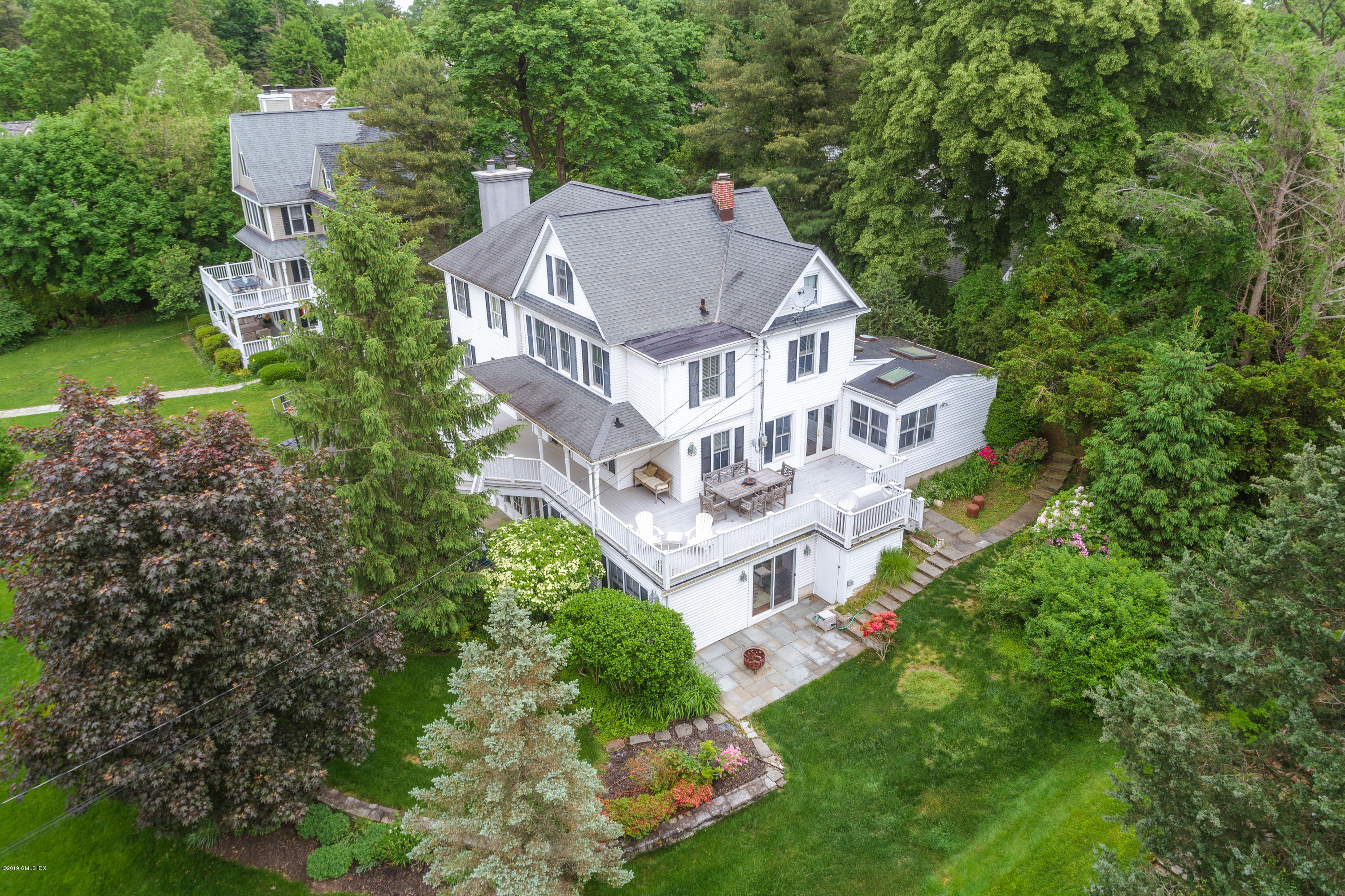 5 Holman Lane, Old Greenwich, CT 06870