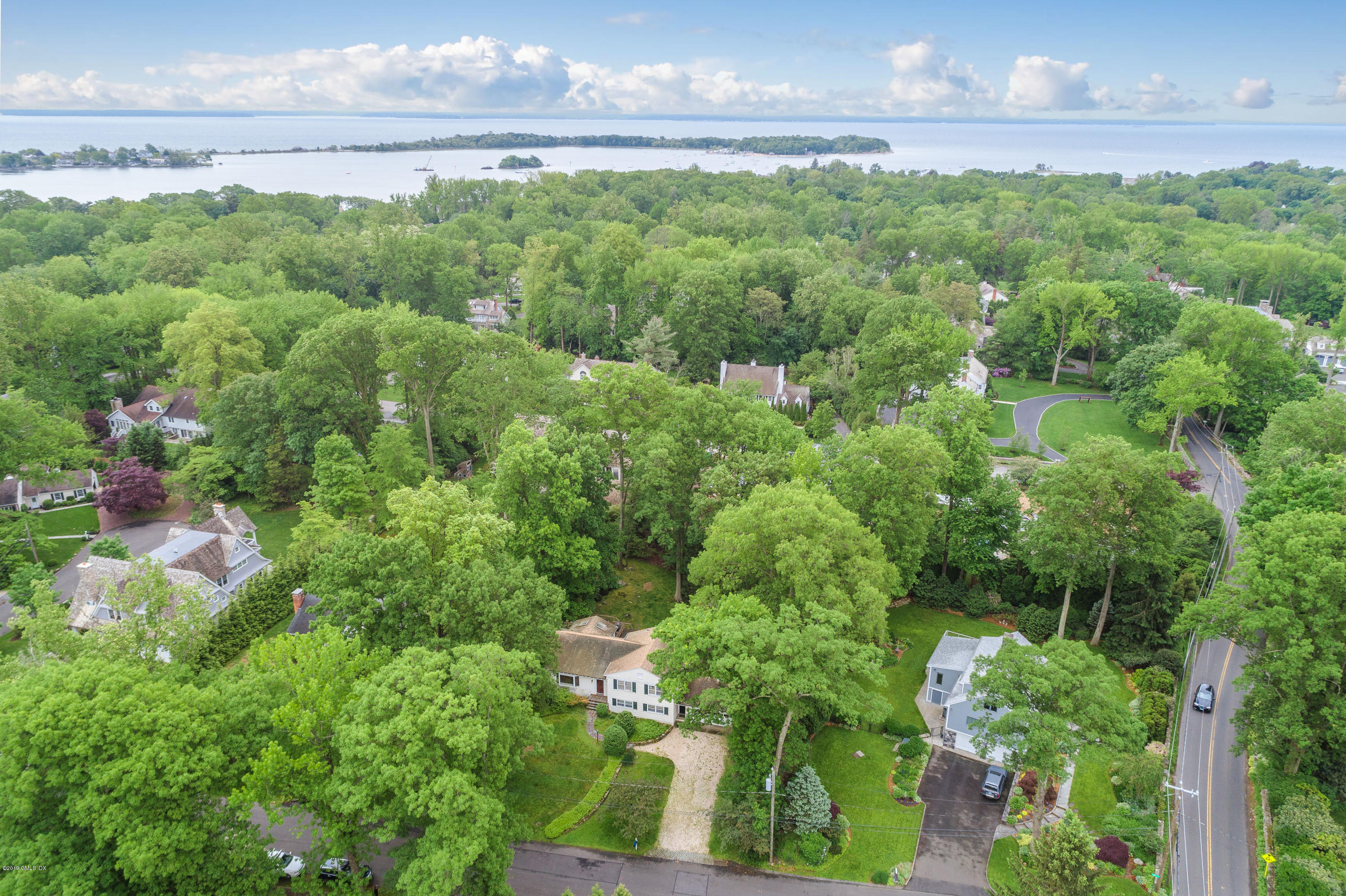 6 Oak Drive,Riverside,Connecticut 06878,4 Bedrooms Bedrooms,3 BathroomsBathrooms,Single family,Oak,106124