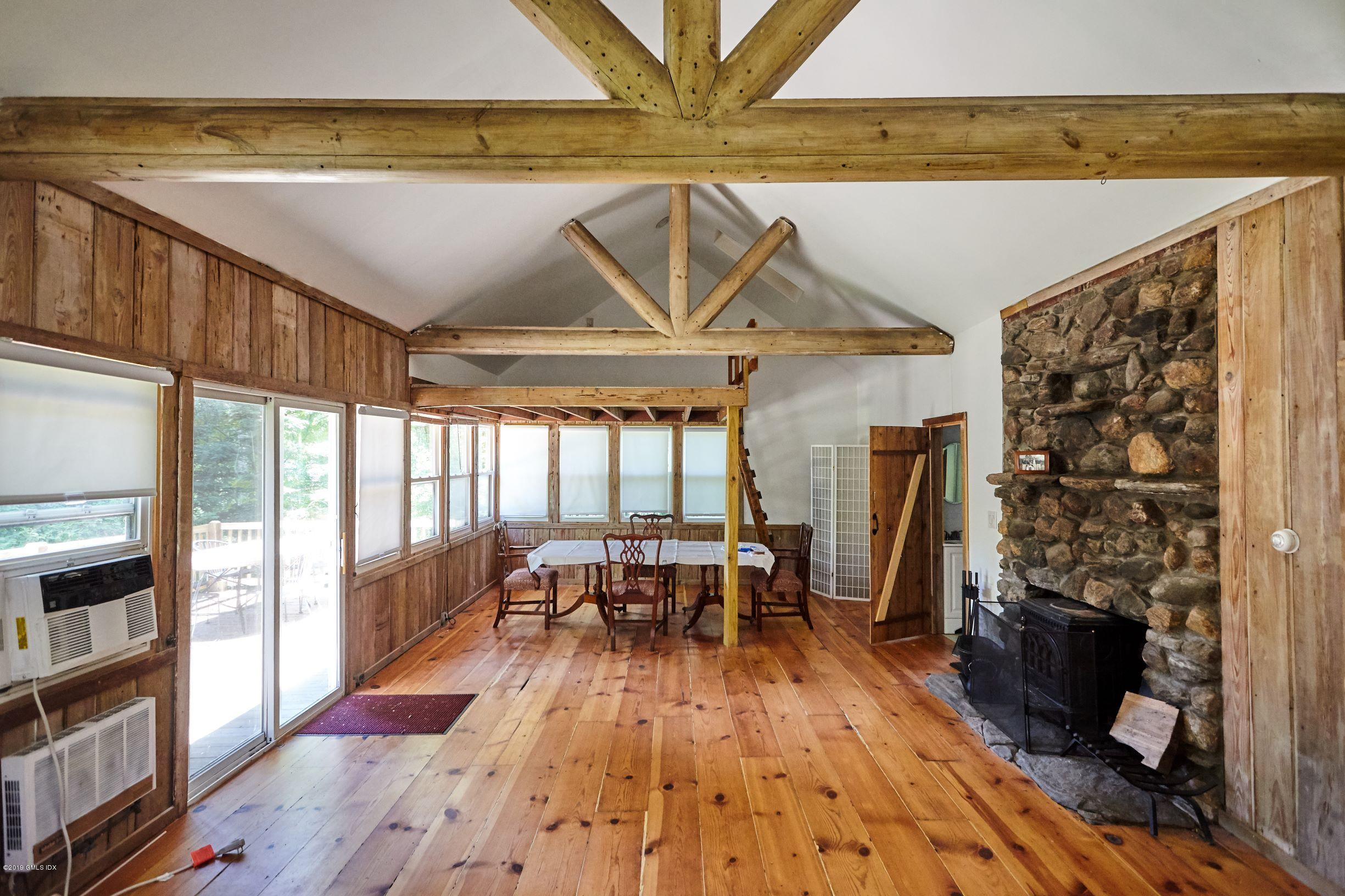 6 Carpenters Brook Rd (cottage), Greenwich, CT 06831