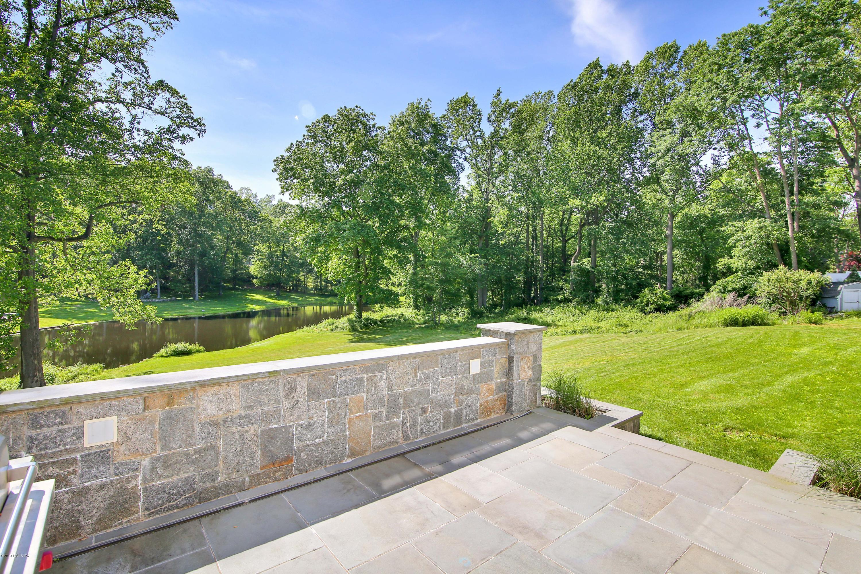 33 Cliffdale Road, Greenwich, CT 06831