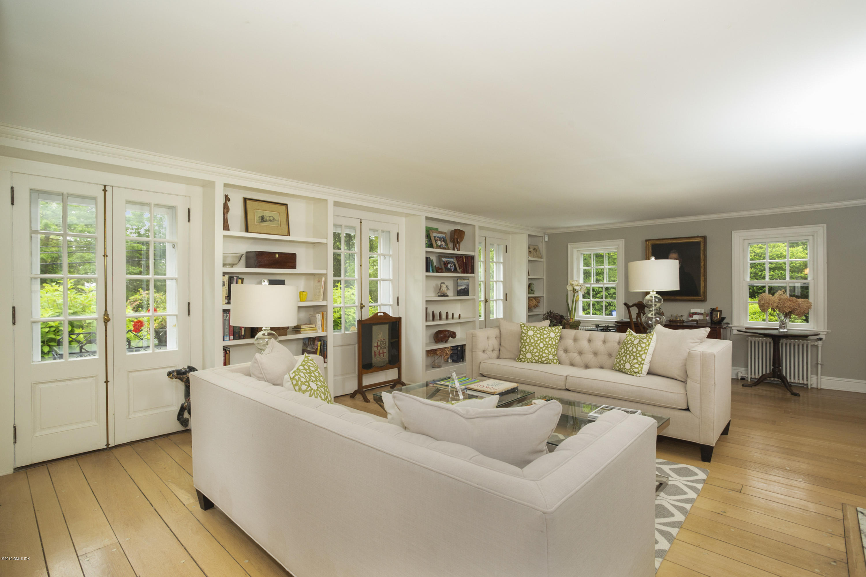 54 John Street,Greenwich,Connecticut 06831,3 Bedrooms Bedrooms,3 BathroomsBathrooms,Single family,John,106958
