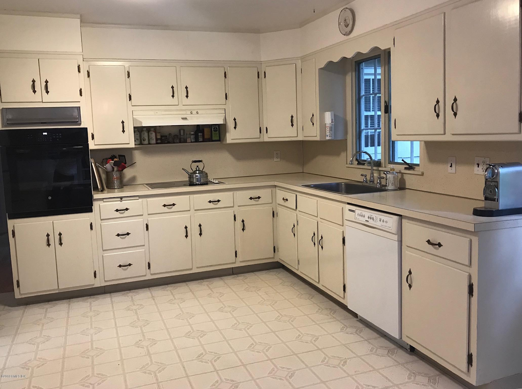 12 Relay Place, Cos Cob, CT 06807