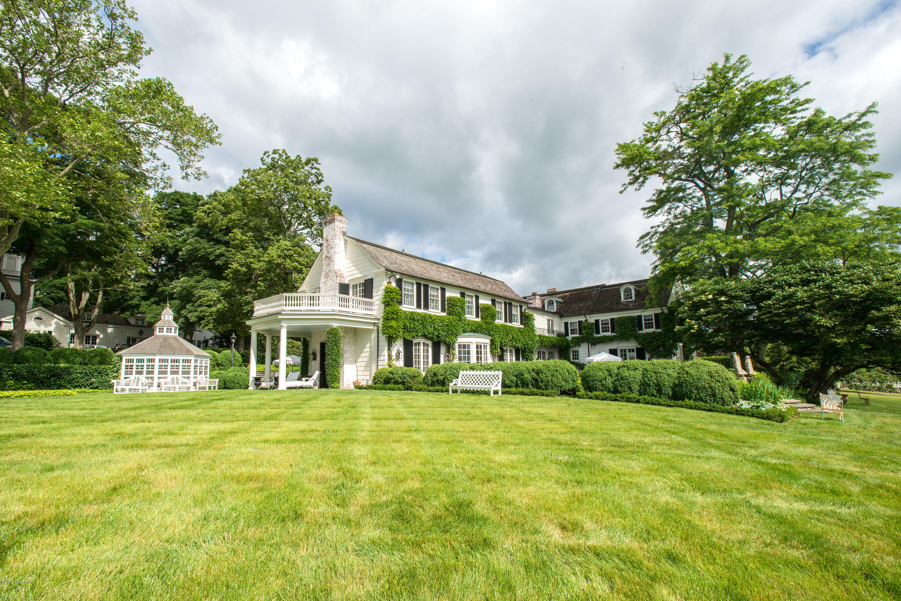 591 Riversville Road Greenwich, CT 06831