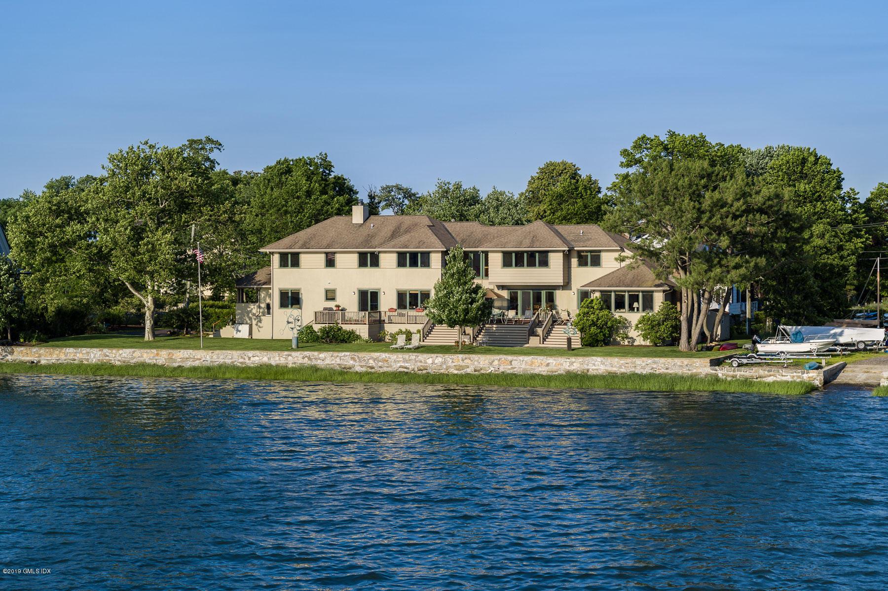 10 S Crossway, Old Greenwich, CT 06870