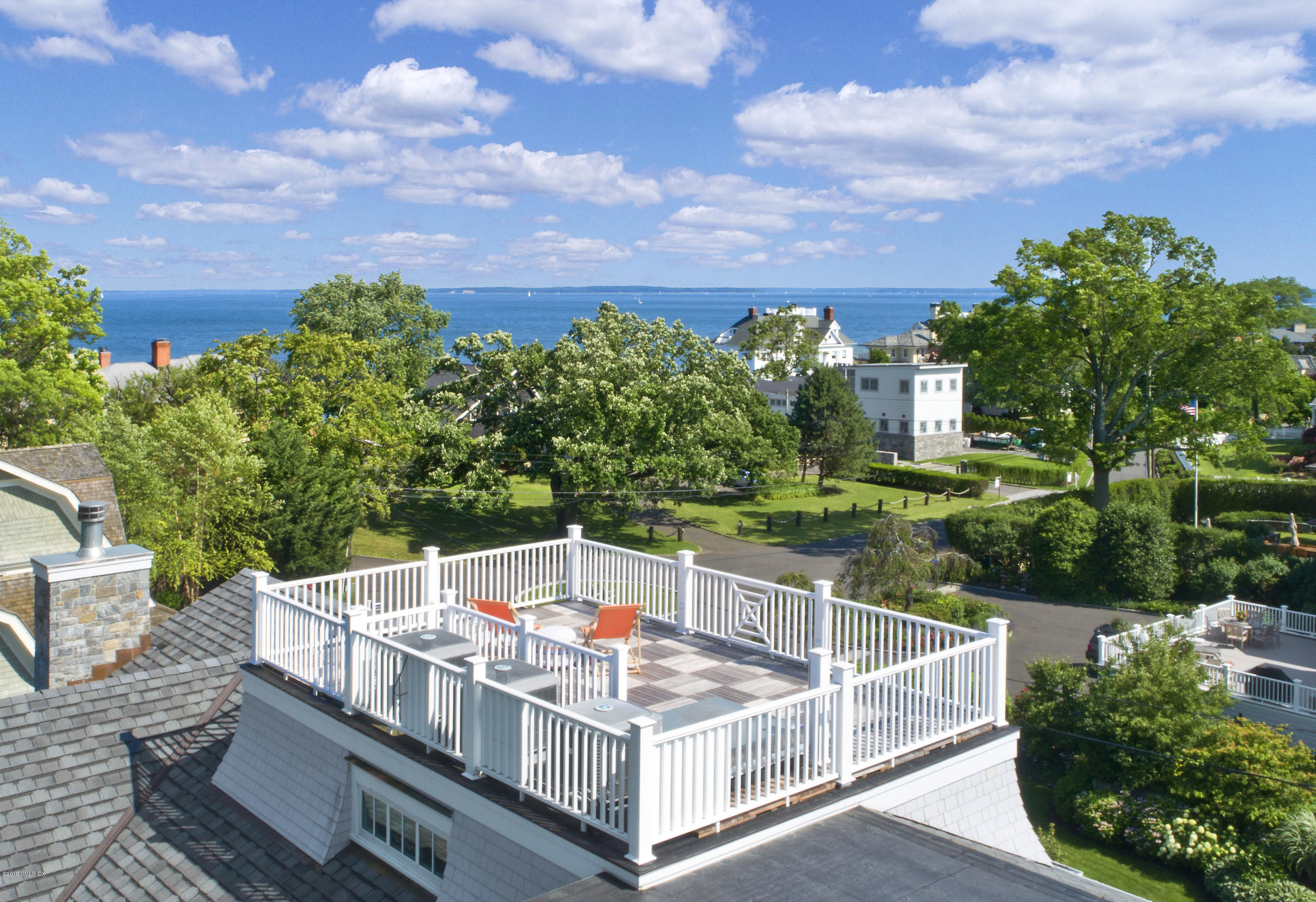 9 Lighthouse Lane, Old Greenwich, CT 06870