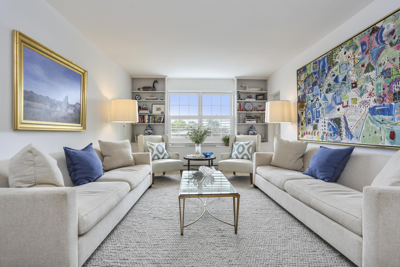 20 Church Street,Greenwich,Connecticut 06830,2 Bedrooms Bedrooms,2 BathroomsBathrooms,Condominium,Church,107229