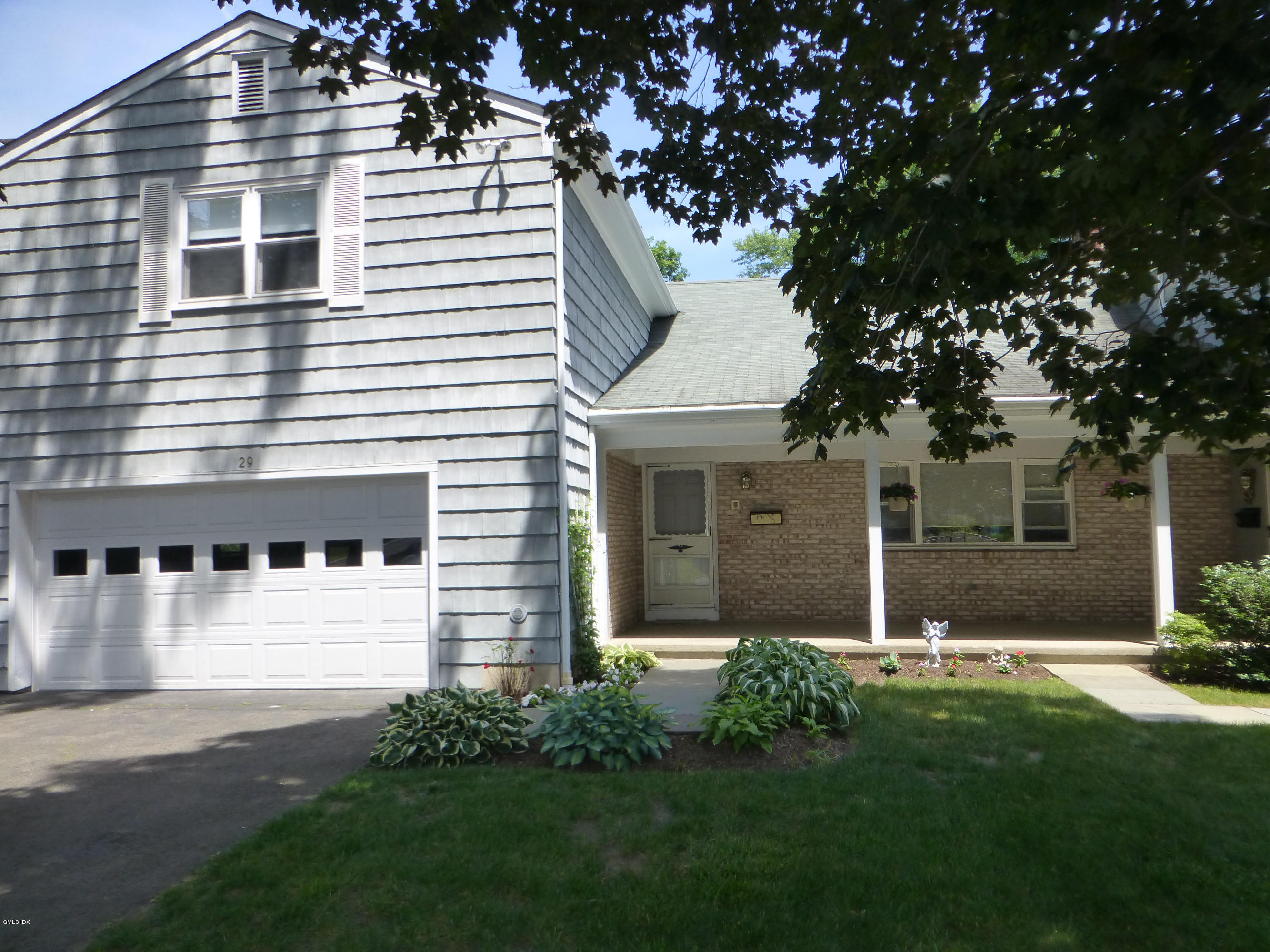 29 Maplewood Drive,Cos Cob,Connecticut 06807,7 Bedrooms Bedrooms,5 BathroomsBathrooms,Single family,Maplewood,107343
