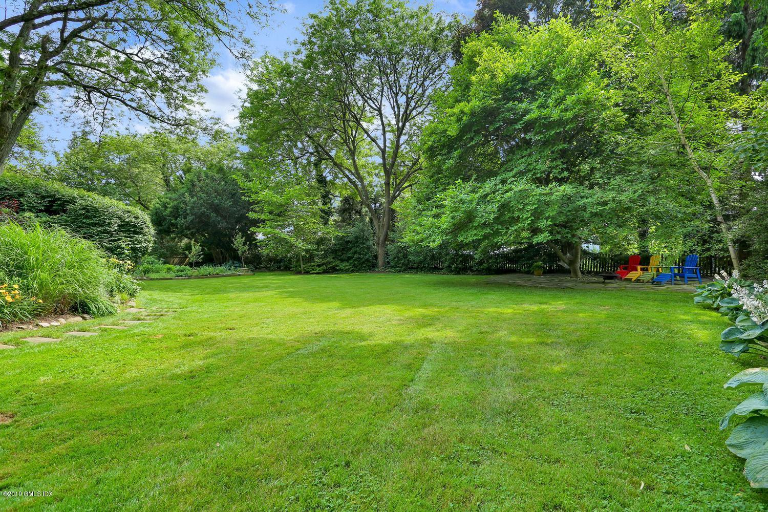 123 Shore Road,Old Greenwich,Connecticut 06870,5 Bedrooms Bedrooms,3 BathroomsBathrooms,Shore,107348