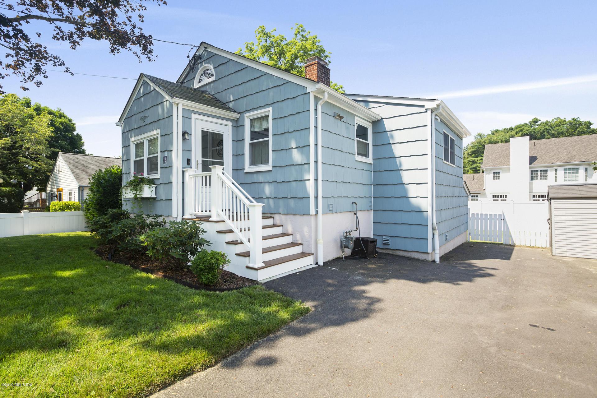 18 Spezzano Drive,Riverside,Connecticut 06878,3 Bedrooms Bedrooms,2 BathroomsBathrooms,Single family,Spezzano,107538