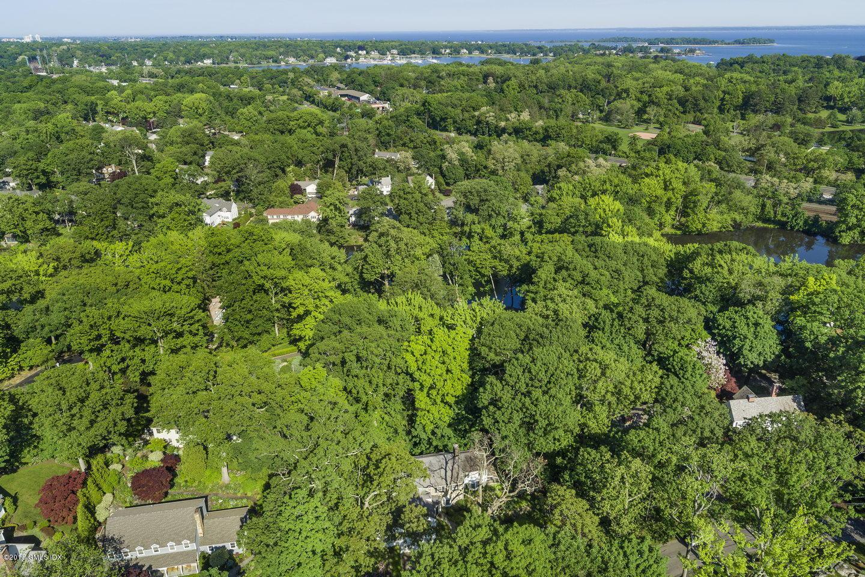 303 Overlook Drive,Greenwich,Connecticut 06830,Overlook,107521