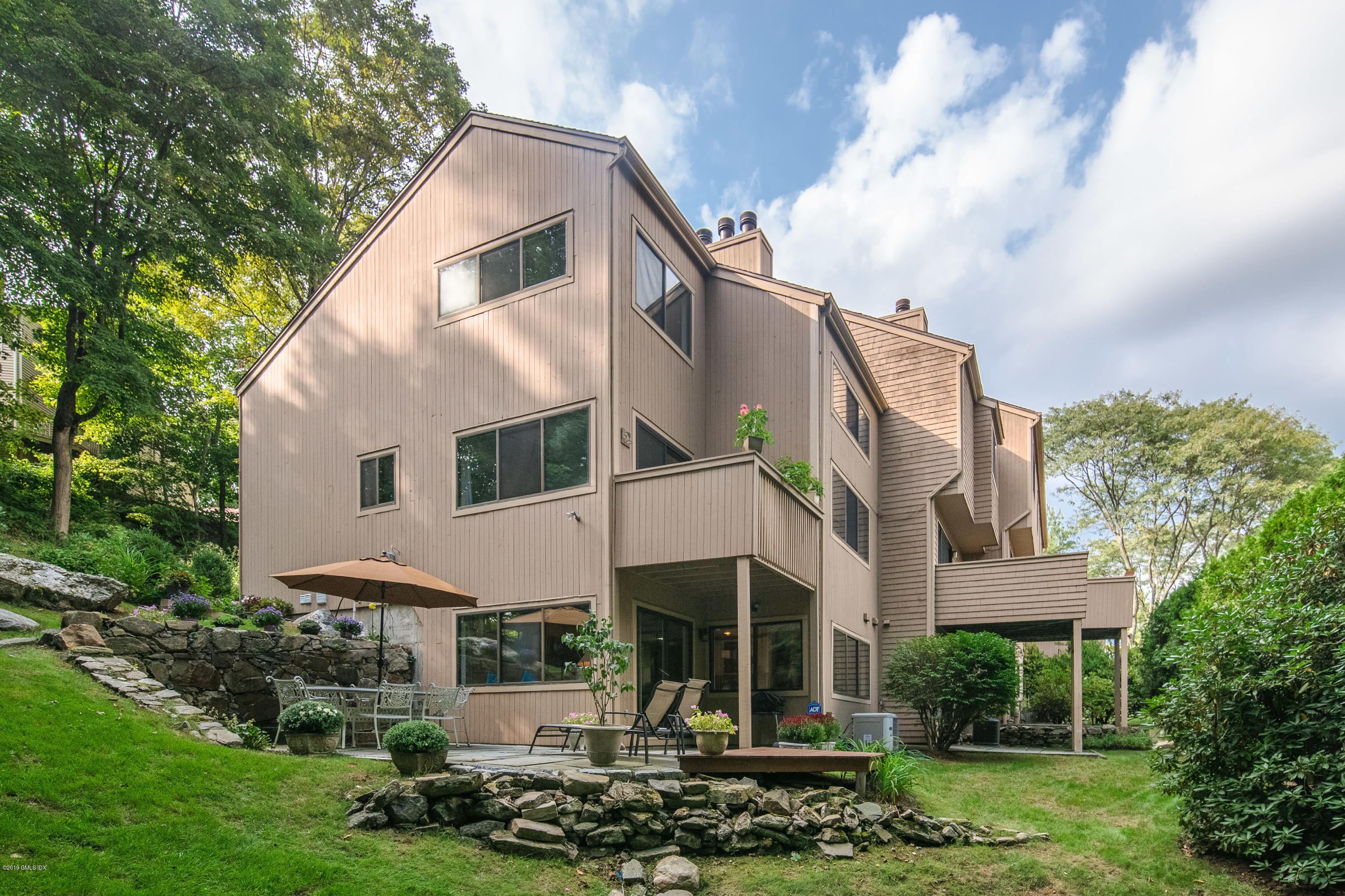 45 River West Greenwich,Connecticut 06831,3 Bedrooms Bedrooms,2 BathroomsBathrooms,Condominium,River West,107820