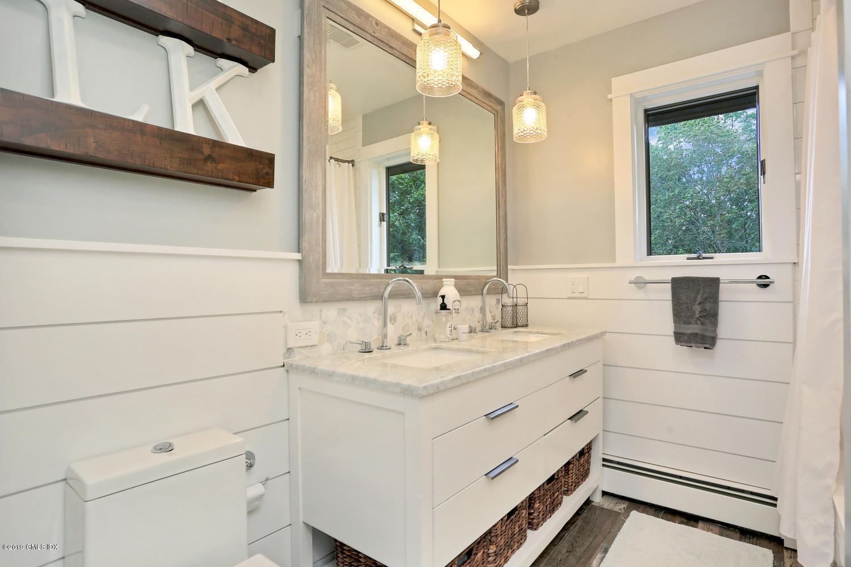 4 Grey Rock Drive,Greenwich,Connecticut 06831,4 Bedrooms Bedrooms,3 BathroomsBathrooms,Single family,Grey Rock,107971