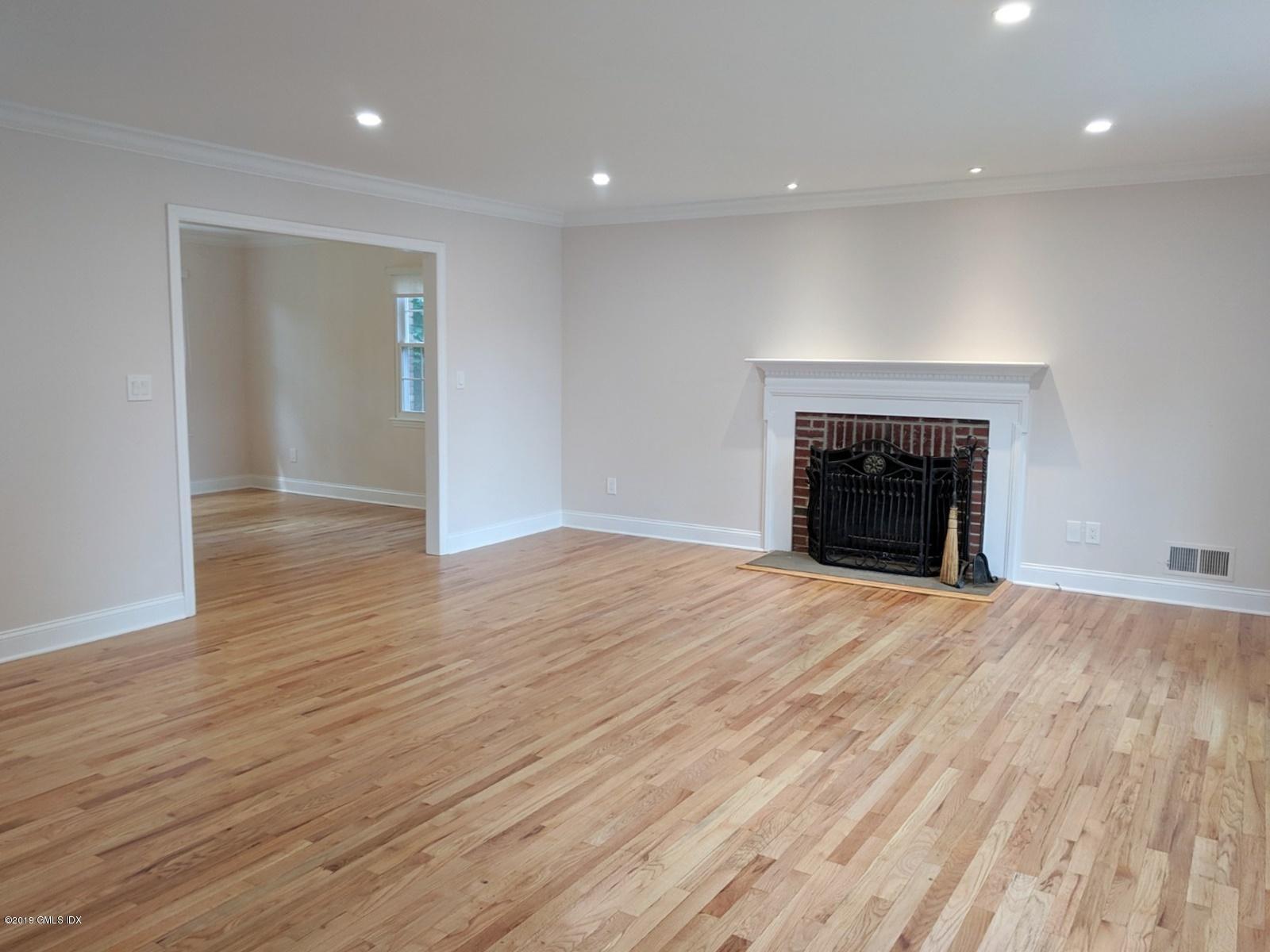 96 Valley Road,Cos Cob,Connecticut 06807,3 Bedrooms Bedrooms,1 BathroomBathrooms,See remarks,Valley,108041