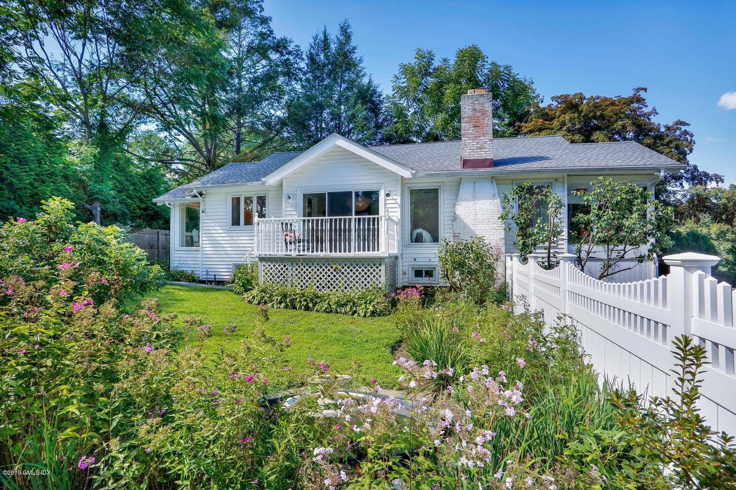1015 North Street,Greenwich,Connecticut 06831,2 Bedrooms Bedrooms,2 BathroomsBathrooms,Single family,North,108044