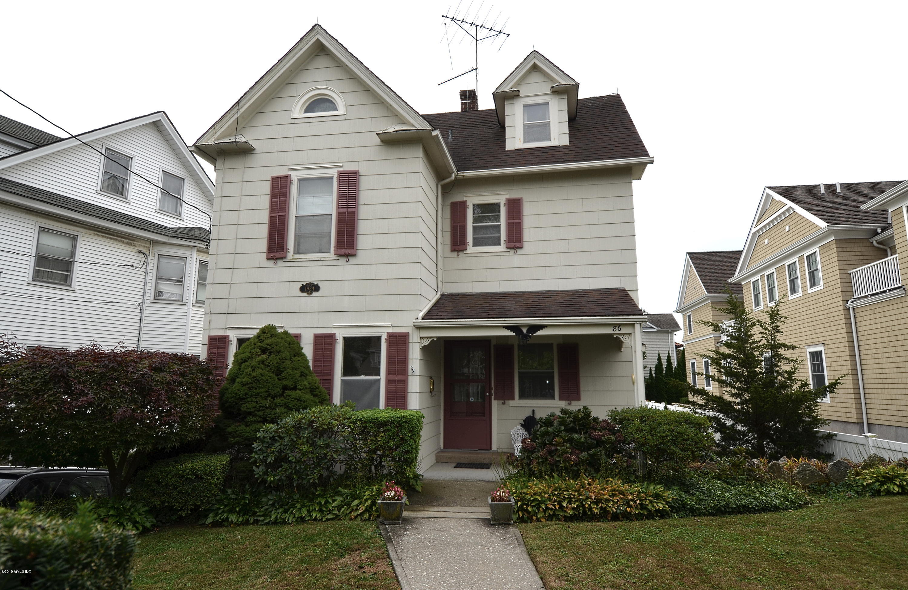 86 Havemeyer Place,Greenwich,Connecticut 06830,3 Bedrooms Bedrooms,1 BathroomBathrooms,Multi-family - 2 units,Havemeyer,108047