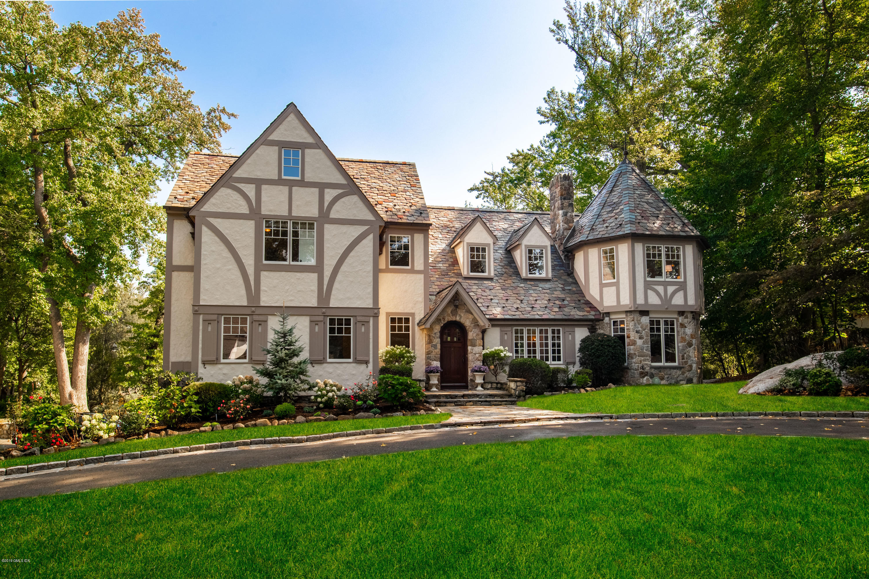 55 Orchard Drive,Greenwich,Connecticut 06830,6 Bedrooms Bedrooms,5 BathroomsBathrooms,Single family,Orchard,108050