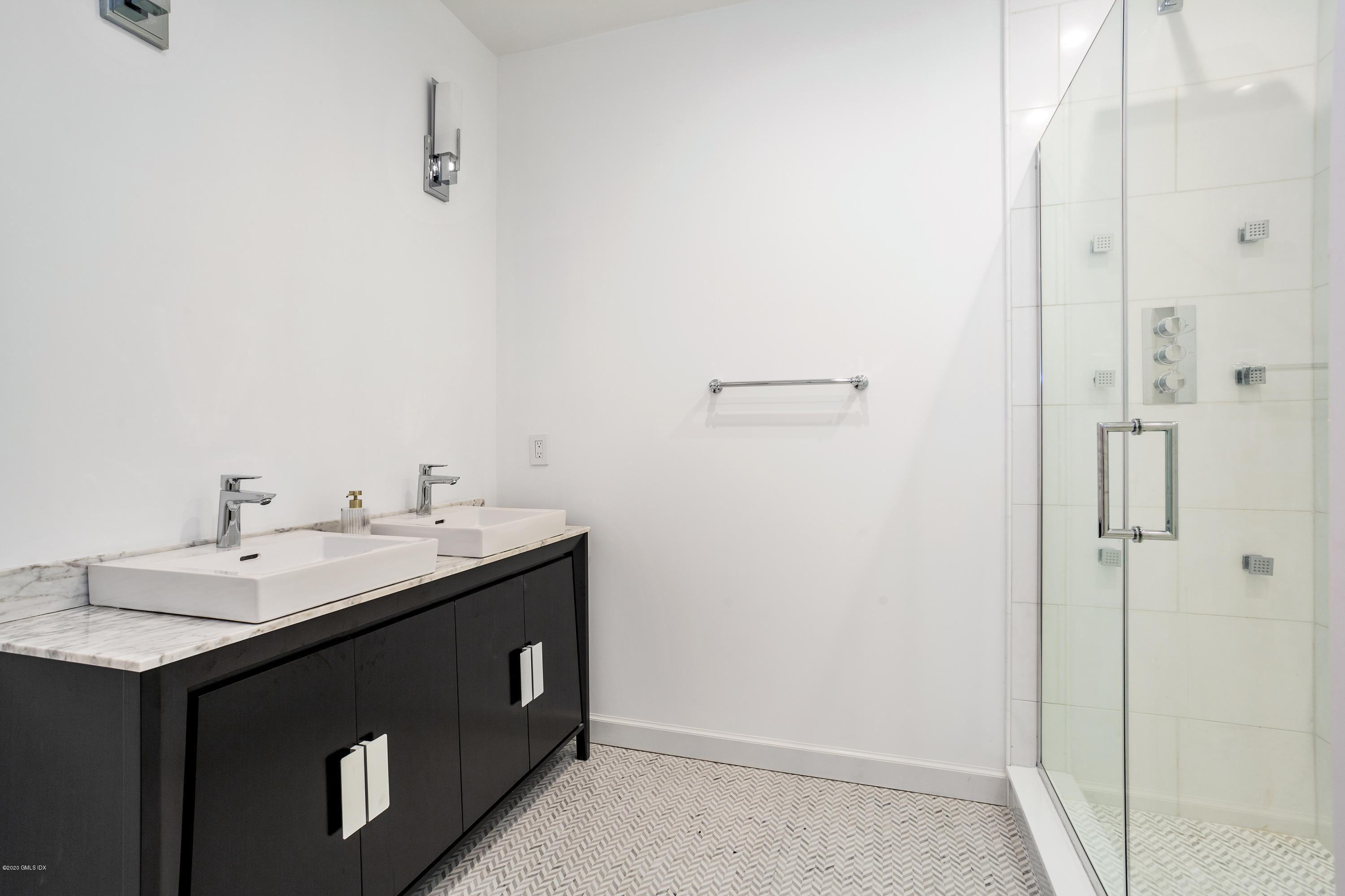 9 Lafayette Court,Greenwich,Connecticut 06830,2 Bedrooms Bedrooms,2 BathroomsBathrooms,Condominium,Lafayette,108568