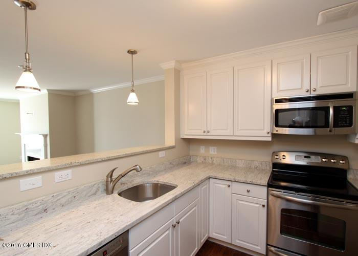 51 Forest Avenue,Old Greenwich,Connecticut 06870,2 Bedrooms Bedrooms,2 BathroomsBathrooms,Condominium,Forest,108647