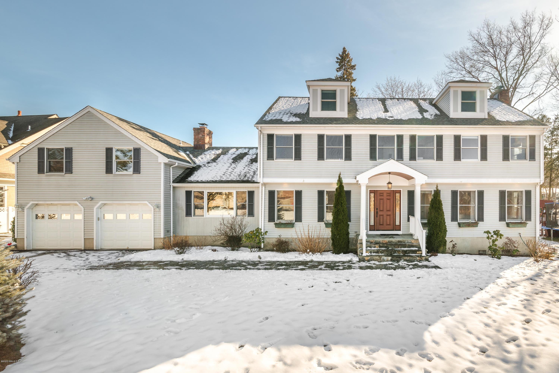 11 B Relay Place,Cos Cob,Connecticut 06807,5 Bedrooms Bedrooms,4 BathroomsBathrooms,Single family,Relay,108653