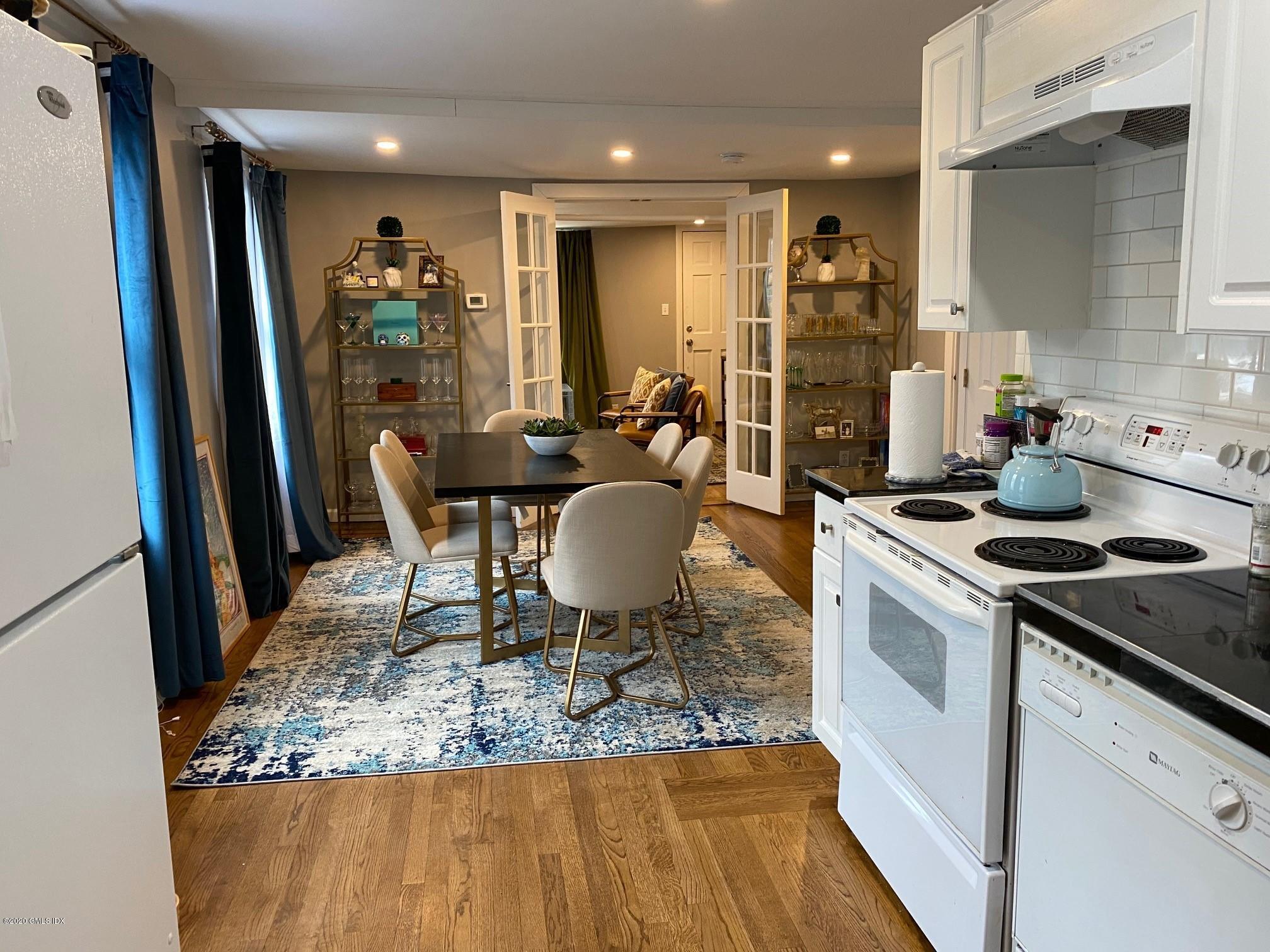 28 Bruce Park Avenue,Greenwich,Connecticut 06830,2 Bedrooms Bedrooms,2 BathroomsBathrooms,Apartment,Bruce Park,108940