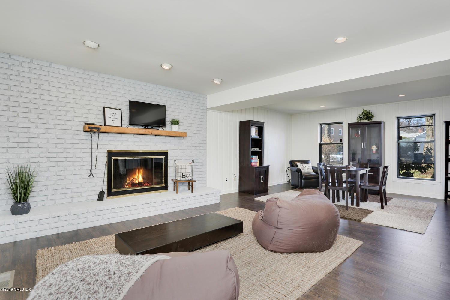 27 Maplewood Drive, Cos Cob, Connecticut 06807, 4 Bedrooms Bedrooms, ,2 BathroomsBathrooms,Single family,For sale,Maplewood,110123