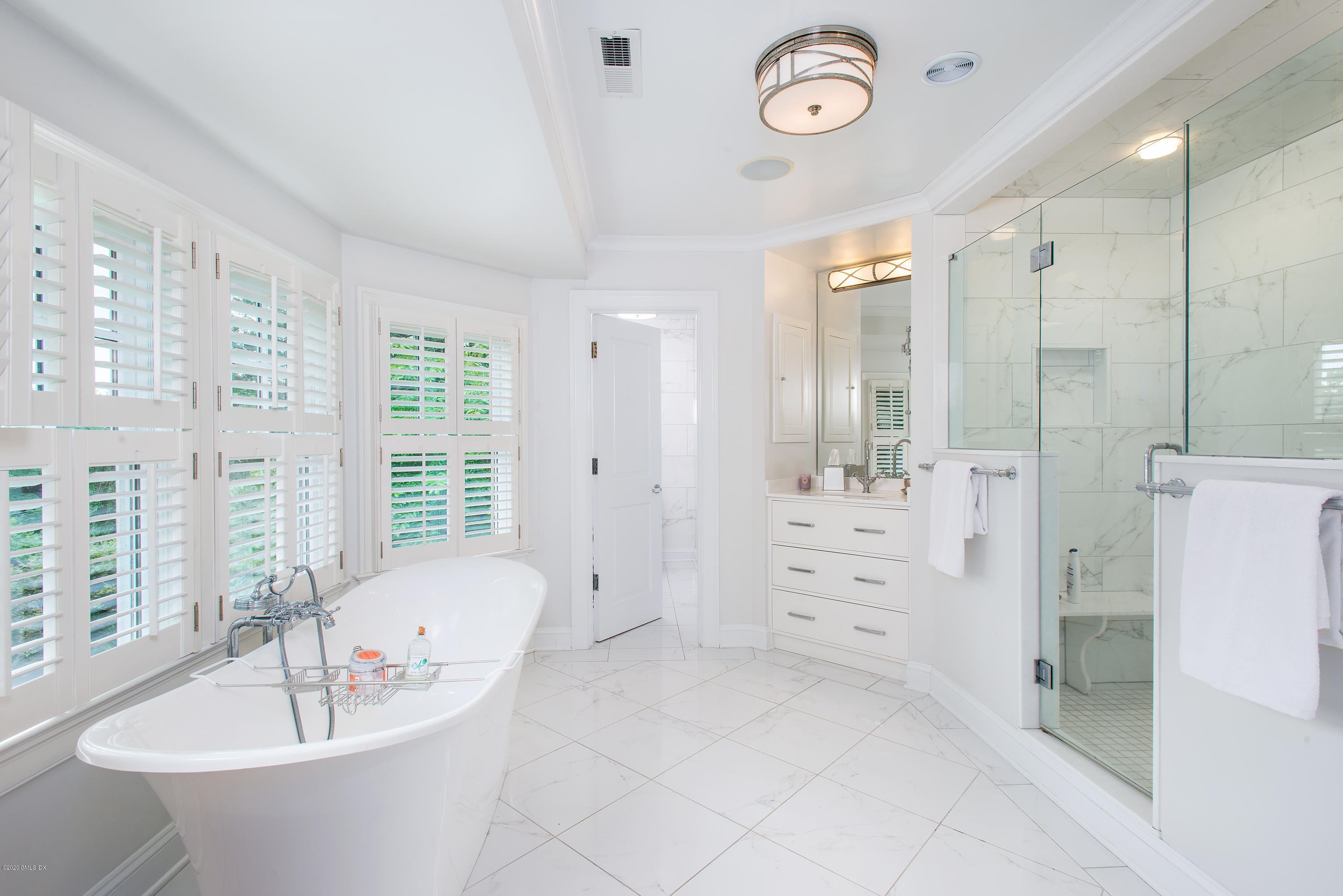 47 Woodside Drive, Greenwich, Connecticut 06830, 6 Bedrooms Bedrooms, ,5 BathroomsBathrooms,Single family,For sale,Woodside,110738