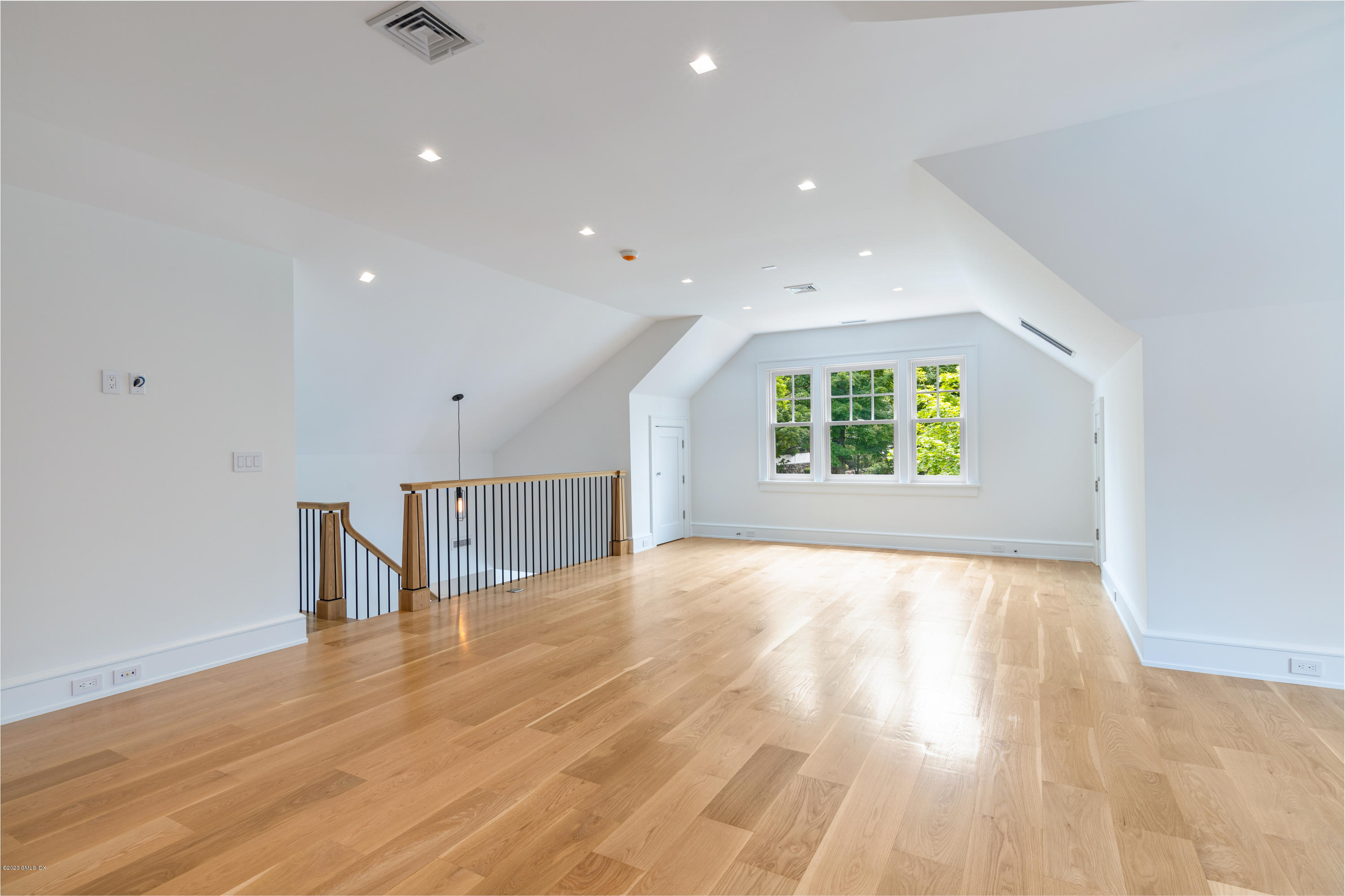 139 North Street, Greenwich, Connecticut 06830, 5 Bedrooms Bedrooms, ,6 BathroomsBathrooms,Single family,For Rent,North,110736