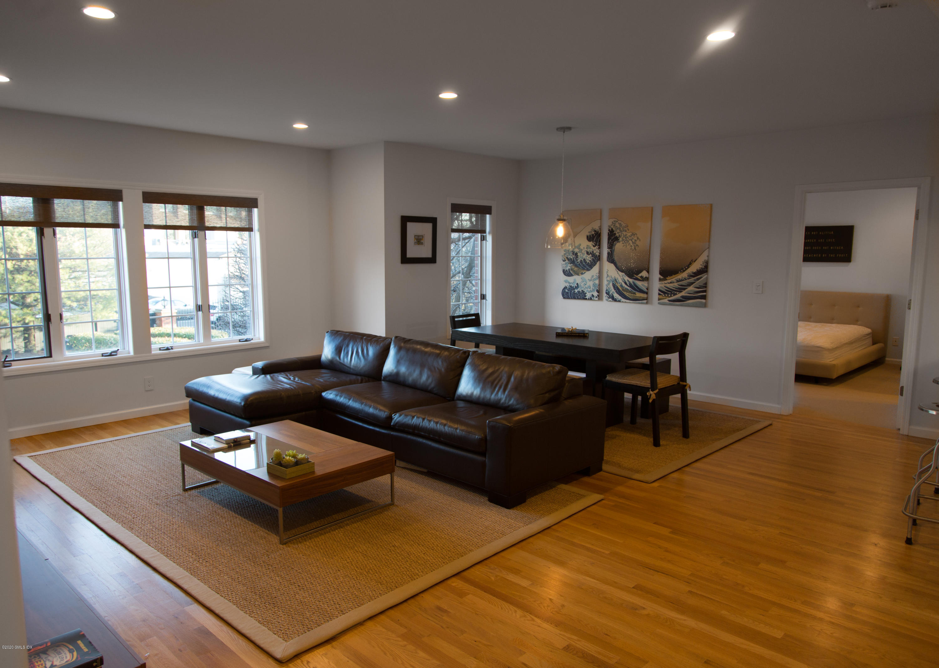 33 Putnam Avenue, Greenwich, Connecticut 06830, 2 Bedrooms Bedrooms, ,2 BathroomsBathrooms,Condominium,For Rent,Putnam,110726