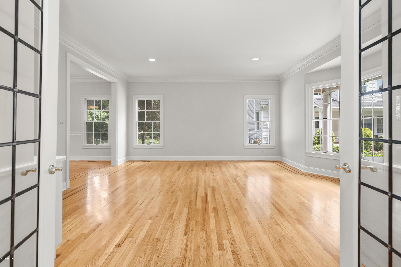 31 Lockwood Road, Riverside, Connecticut 06878, 5 Bedrooms Bedrooms, ,4 BathroomsBathrooms,Single family,For sale,Lockwood,110735