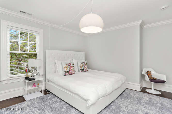 252 Milbank Avenue, Greenwich, Connecticut 06830, 6 Bedrooms Bedrooms, ,7 BathroomsBathrooms,Single family,For sale,Milbank,110729