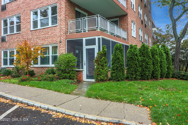1 Putnam Hill Road, Greenwich, Connecticut 06830, 3 Bedrooms Bedrooms, ,2 BathroomsBathrooms,Co-op,For sale,Putnam Hill,111961