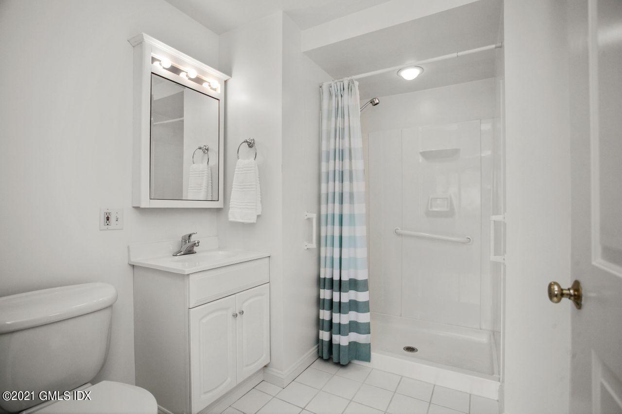 21 Hartford Avenue, Greenwich, Connecticut 06830, 2 Bedrooms Bedrooms, ,2 BathroomsBathrooms,Single family,For sale,Hartford,112026