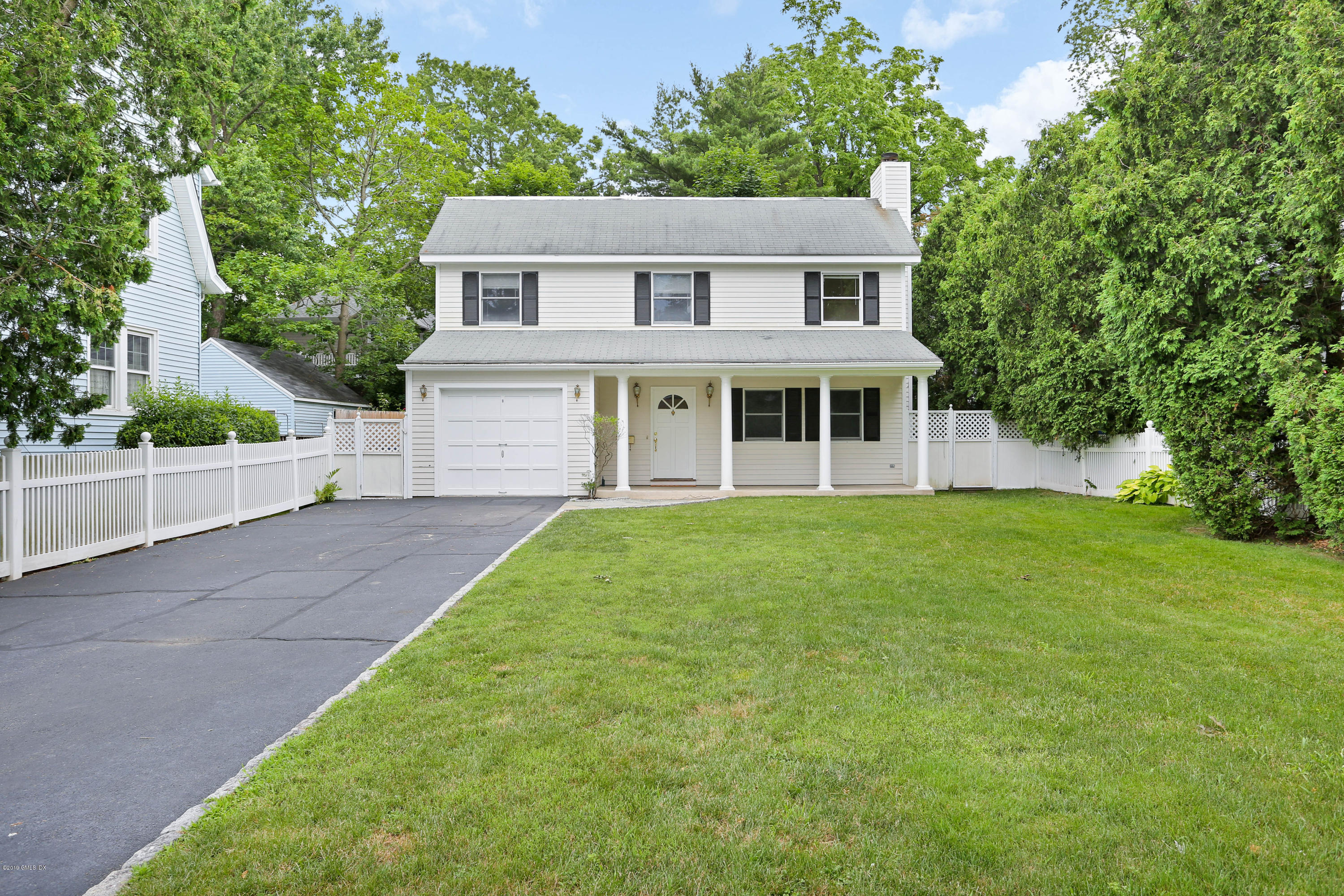 26 Lockwood Drive, Old Greenwich, Connecticut 06870, 4 Bedrooms Bedrooms, ,2 BathroomsBathrooms,Single family,For Rent,Lockwood,112207