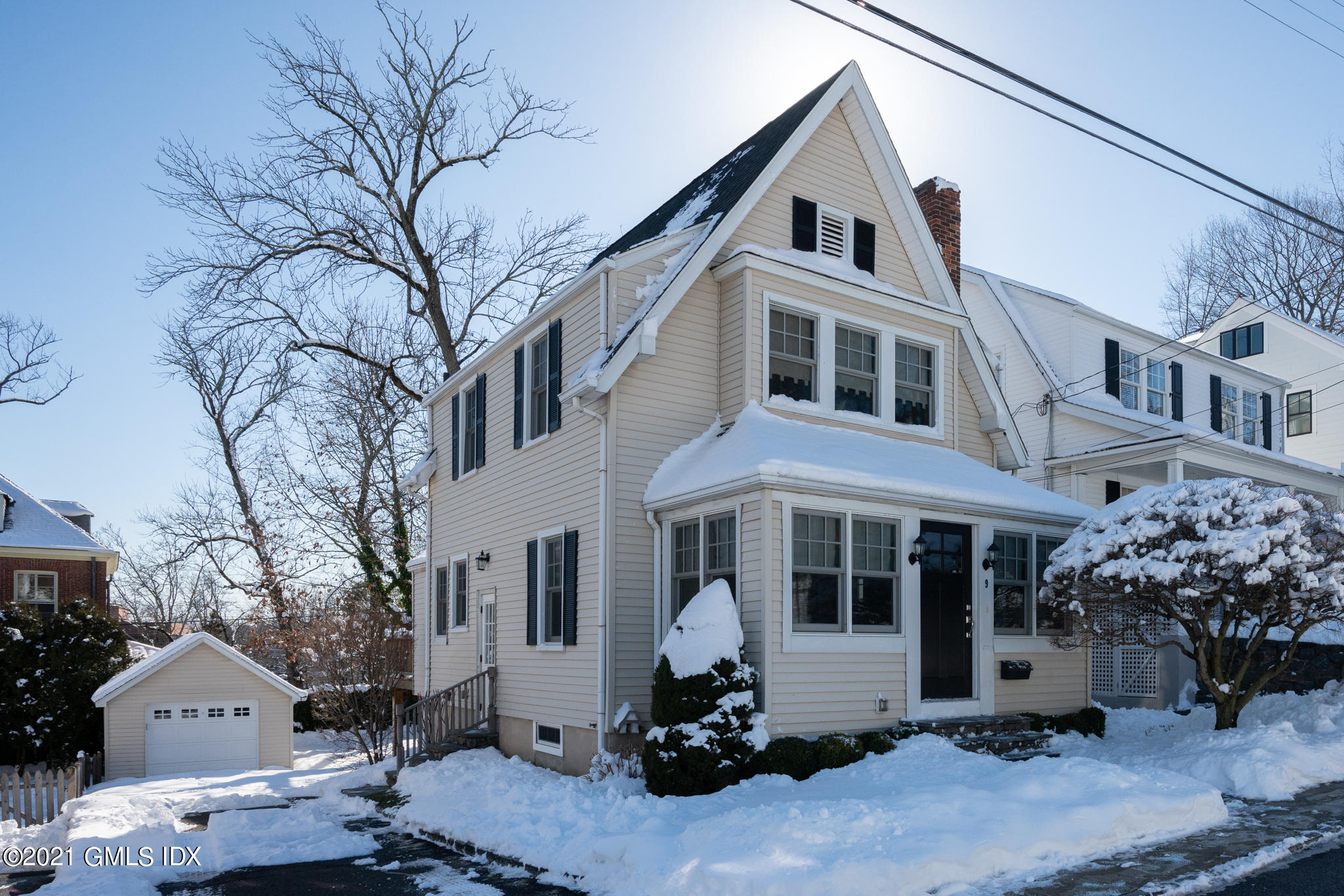 9 Bolling Place, Greenwich, Connecticut 06830, 3 Bedrooms Bedrooms, ,1 BathroomBathrooms,Single family,For sale,Bolling,112211