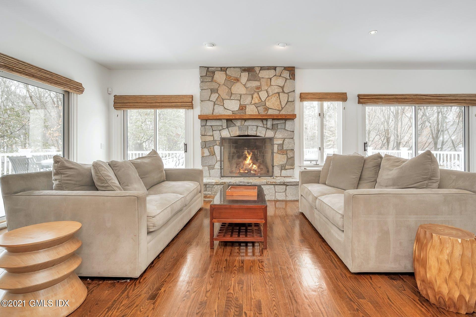 41 Stone Brook Lane, Cos Cob, Connecticut 06807, 4 Bedrooms Bedrooms, ,4 BathroomsBathrooms,Single family,For sale,Stone Brook,112253
