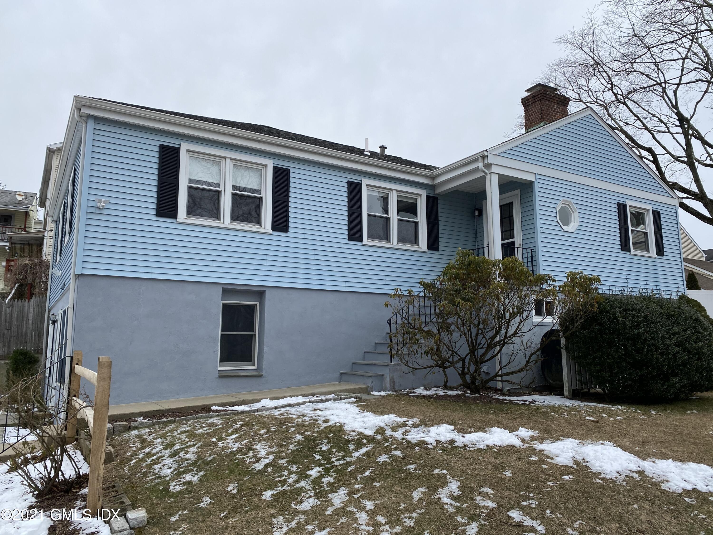 1 Christiano Street, Cos Cob, Connecticut 06807, 3 Bedrooms Bedrooms, ,2 BathroomsBathrooms,Multi-family - 2 units,For Rent,Christiano,112274