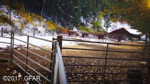 60 Corral_Shop Saddle Room Combo