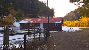 62 Outfitter Cabin_Corral
