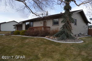1725 Park Garden RD, GREAT FALLS, MT 59403