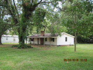 70 PENNINGTON DR, Columbus, MS 39705