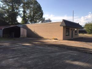 1146 Main St, West Point, MS 39773