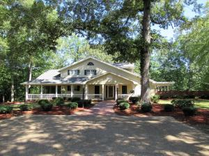 2367 Old Yorkville Rd, Columbus, MS 39702