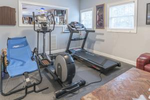HH--Man Cave Weight Room